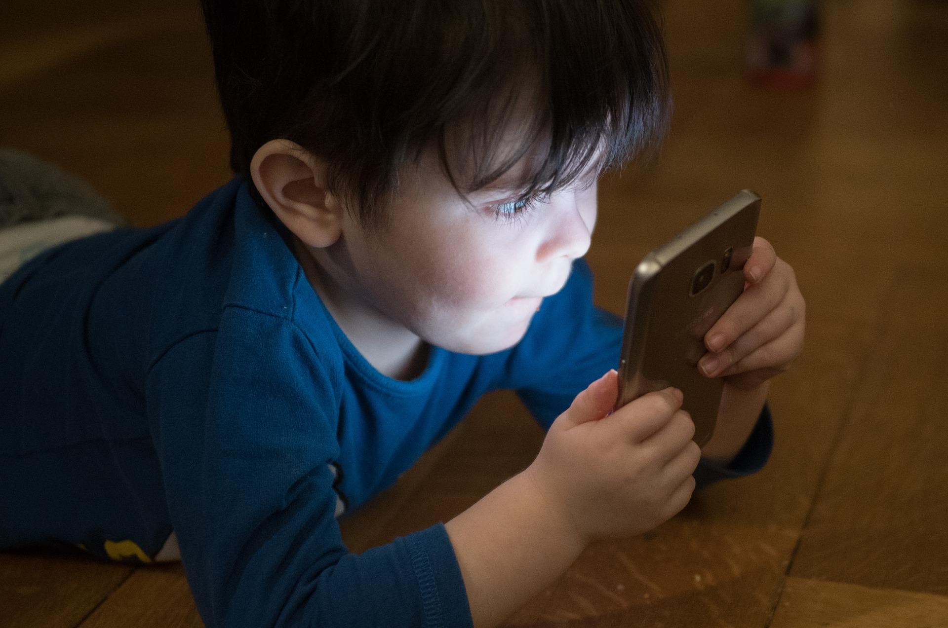 internet bambini smartphone