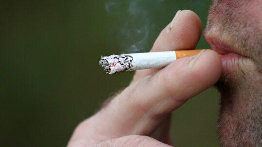 fumo nuoce a muscoli e ossa